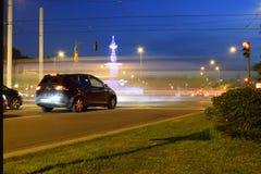 asfaltbilar sitter fast den seamless trafikvektorwallpaperen royaltyfri foto