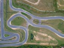 Asfalti la pista di corsa, la forma del serpente, vista aerea immagini stock