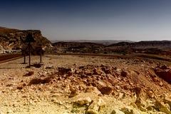 Asfaltowa droga w pustynia negew Zdjęcia Stock