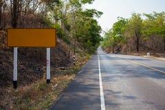 Asfaltowa droga w Tajlandzkim Fotografia Royalty Free