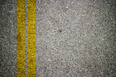 Asfaltowej drogi tekstura Z Żółtym paskiem Zdjęcia Royalty Free