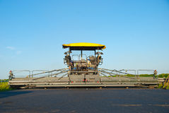 asfaltowy maszynowy brukowanie Zdjęcia Royalty Free
