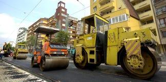 Asfaltowy rolownik w budowy drogi miejscu Zdjęcia Royalty Free