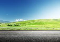 Asfaltväg