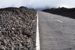 Asfaltweg aan Teide, Tenerife Stock Foto