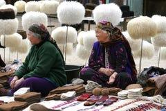 Asgabat, il Turkmenistan - 26 febbraio Un ritratto di vecchio unid due Immagine Stock
