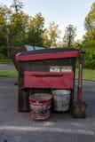 Ash Buckets au camping image libre de droits