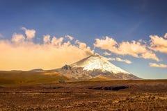 Ash Clouds Above Cotopaxi Volcano Fotografía de archivo libre de regalías