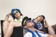 Ash Wednesday Los amigos están cansados de celebrar Carnaval tres foto de archivo