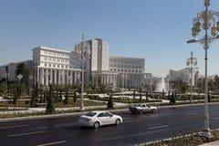 Ashgabad, Τουρκμενιστάν - 15 Οκτωβρίου 2014: Κεντρικό τετράγωνο της τέφρας Στοκ εικόνα με δικαίωμα ελεύθερης χρήσης