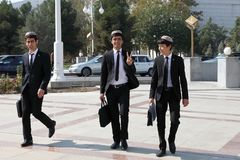 Ashgabad, il Turkmenistan - 10 ottobre 2014 Gruppo di st allegra Fotografia Stock