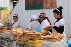 Ashgabad, il Turkmenistan - 10 ottobre 2014 Mercato degli agricoltori Fotografie Stock