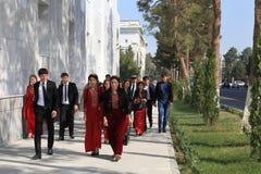 Ashgabad, Turkménistan - 10 octobre 2014 Groupe d'étudiants dedans Photographie stock libre de droits