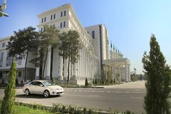 Ashgabad, Turkmenistan - Oktober 10, 2014: De ingang aan c Stock Afbeelding