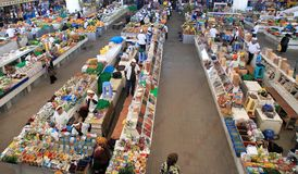 Ashgabad, Turquemenistão - 10 de outubro de 2014 Mercado dos fazendeiros Foto de Stock Royalty Free