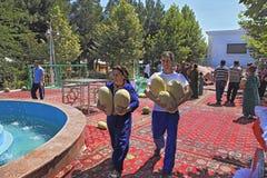 Ashgabat, Turkmenistan - Augustus, 17, 2017: Meloenfestival in Turkije Royalty-vrije Stock Afbeelding