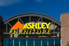 Ashley Furniture lageryttersida Royaltyfri Bild