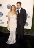 Ashley Hinshaw und Topher Grace Stockfoto