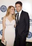 Ashley Hinshaw und Topher Grace Lizenzfreie Stockfotos