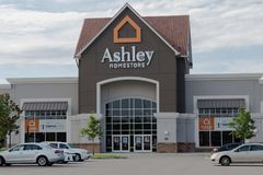 Ashley Homestore Storefront Arkivbild