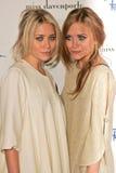 Ashley Olsen et Mary-Kate Olsen   images libres de droits