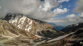 Ashret Gol Fluss und Lowari überschreiten, Provinz Pakistan Khyber Pakhtunkhwa lizenzfreie stockfotografie