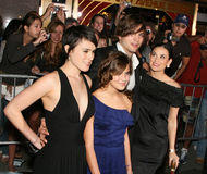 Ashton Kutcher, Demi Moore mit Rumer und Tallulah Lizenzfreies Stockfoto