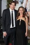 Ashton Kutcher y Natalie Portman Foto de archivo libre de regalías
