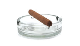 ashtray πούρο Στοκ φωτογραφία με δικαίωμα ελεύθερης χρήσης