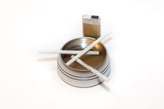 ashtray τσιγάρα Στοκ φωτογραφία με δικαίωμα ελεύθερης χρήσης
