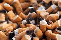 ashtray χτυπά το σύνολο τσιγάρων τσιγάρων Στοκ Εικόνες
