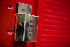 Free Ashtray At The Temple Bar District In Dublin Royalty Free Stock Images - 97705949