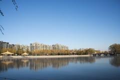 Asiático China, Pekín, parque de Taoranting, paisaje del invierno, pabellones, terrazas y pasillos abiertos Fotografía de archivo libre de regalías