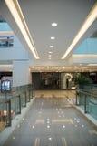 Asiático China, Pekín, Wangfujing, centro comercial de APM, tienda del diseño interior, Imágenes de archivo libres de regalías