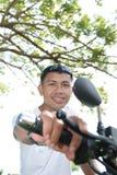 Asiático en la motocicleta Fotos de archivo libres de regalías