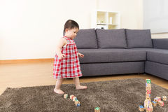 Asia baby girl play toy block Royalty Free Stock Photos