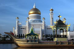 ASIA BRUNEI DARUSSALAM. The Omar Ali Saifuddien Mosque in the city of Bandar seri Begawan in the country of Brunei Darussalam on Borneo in Southeastasia Stock Photo