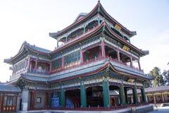 Asia China, Pekín, el palacio de verano, arquitectura clásica, edificio del teatro del corazón y del jardín foto de archivo libre de regalías