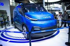 Asia China, Pekín, exposición del automóvil del international 2016, sala de exposiciones interior, Iveco, coche del concepto de V Imágenes de archivo libres de regalías