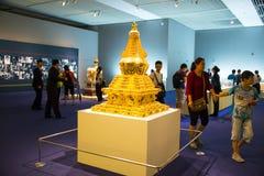Asia China, Pekín, Museo Nacional, sala de exposiciones interior, torre del oro Fotos de archivo
