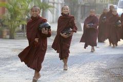 ASIA MYANMAR NYAUNGSHWE MONK Royalty Free Stock Photos