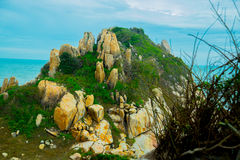 Asia, país de Vietnam, Phan Thiet Montañas, mar Foto de archivo