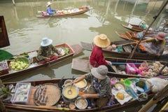 ASIA THAILAND SAMUT SONGKHRAM THA KHA FLOATING MARKET Royalty Free Stock Photos