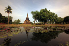 ASIA THAILAND SUKHOTHAI TEMPLE MAHATHAT Royalty Free Stock Photos