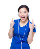 Asia woman enjoy listen to music Royalty Free Stock Photography