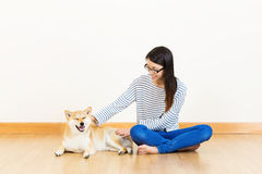 Asia woman with shiba Royalty Free Stock Photo