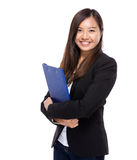 Asian business woman with clipboard Royalty Free Stock Photography