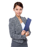Asian Businesswoman with clipboard Royalty Free Stock Photos