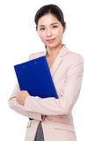 Asian businesswoman hold with clipboard Royalty Free Stock Photography