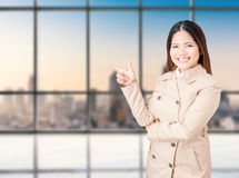 Asian businesswoman pointing finger Royalty Free Stock Photos